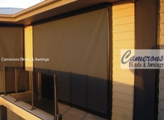 Straight Drop Sun Blinds in Mesh PVC - Wire Guided Vertiscreen®
